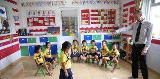 teacher-attractive-2_opt