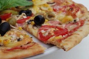 Pizza Boosts Productivity at Work More than Cash Bonuses