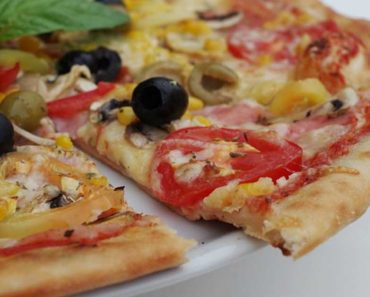 How Eating Pizza Helps You Lose Weight