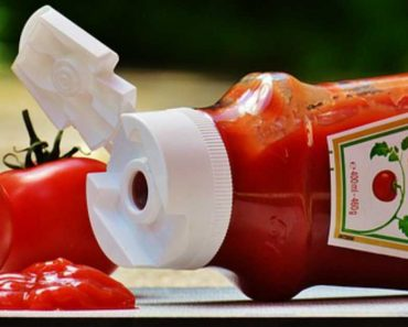 6 Surprising Uses of Tomato Ketchup