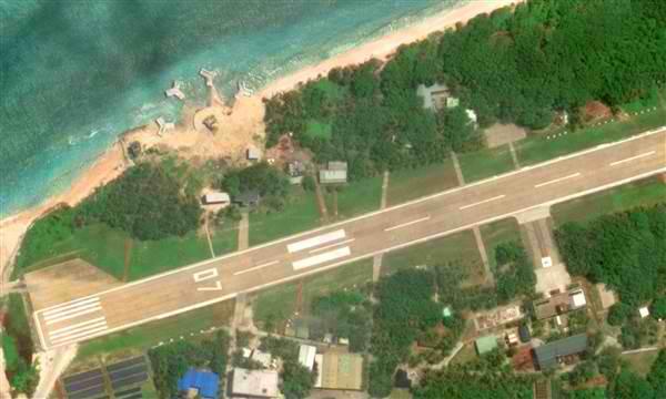taiwan-asks-google-to-blur-secret-island-base-3