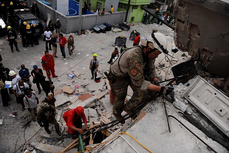 Rescue mission in Haiti By Tech. Sgt. James L. Harper Jr [Public domain], via Wikimedia Commons