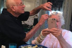 Adorable Photo of Old Man Doing Wife's Hair Goes Viral