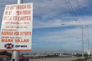 Davao Residents React to DPWH Tarpaulins Printed with Pres. Duterte's Name