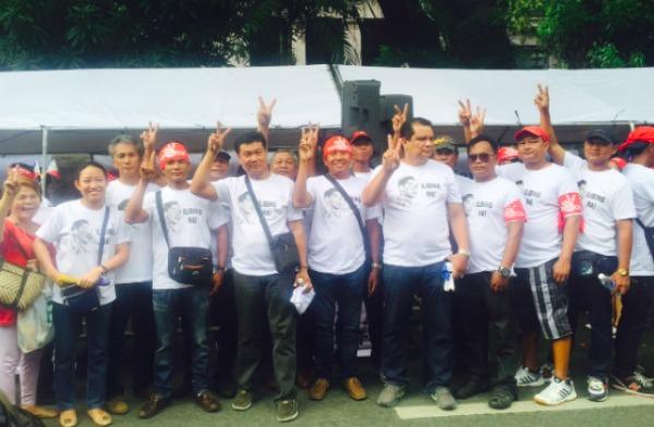 marcos-loyalists-march