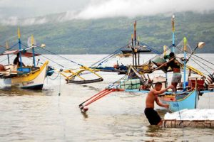 After Duterte's Visit to China, Pinoy Fishermen Can Now Fish in Scarborough Shoal