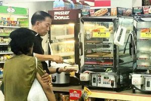 Man's Unique Act of Kindness Inspires Netizens
