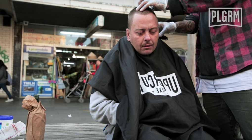 barber-gives-free-haircut-for-the-homeless-2