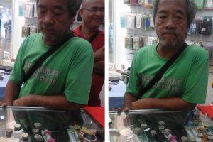 Random Strangers Contribute Money To Help Poor Old Man Buy New Phone