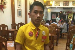 Restaurant Crew Earns Praises from Netizens after Returning Bag with P37K Cash