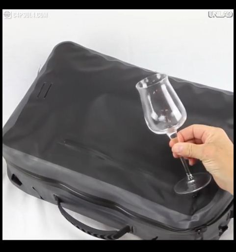 durable-capsula-backpack-2