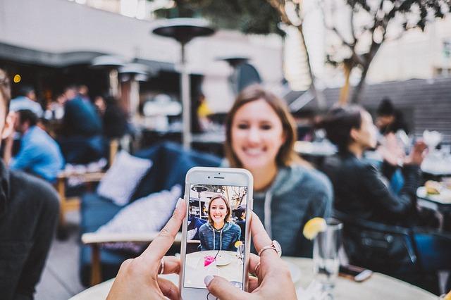 smartphones-hurt-relationship
