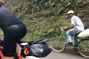 Local with 'Ordinary' Bike Beats Pro Biker with Expensive Gear on Uphill Ride