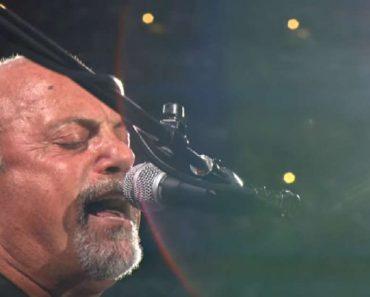 """Billy Joel Sings """"Miami 2017"""" Near Miami in 2017!"""