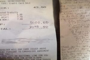Waitress Receives $3,000 Tip with Instructions to 'Pay It Forward'
