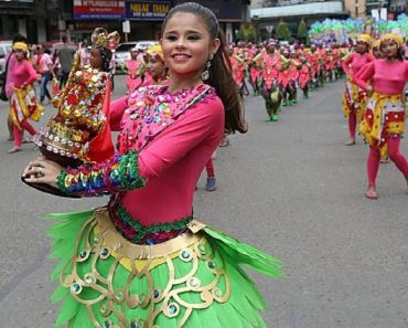 Pinay Look-Alike of Selena Gomez from Ginatilan Sinulog Dancers Goes Viral