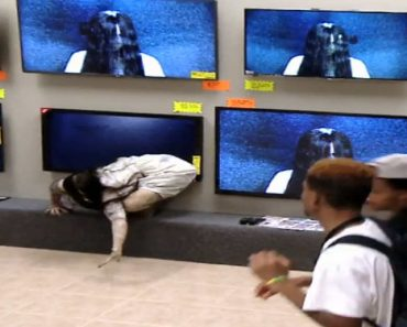 """""""Rings"""" Movie Prank at Electronics Store Goes Viral"""
