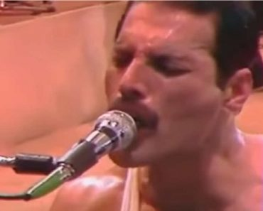 """Listen to Freddie Mercury Sing """"We are the Champions"""" Without Music"""