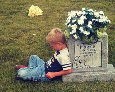 Photo of Boy 'Talking' to Late Twin about School Goes Viral