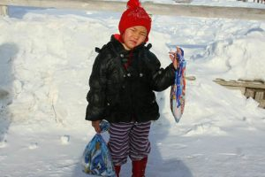 4-Year-Old Girl Walks in Freezing Cold to Save Grandpa