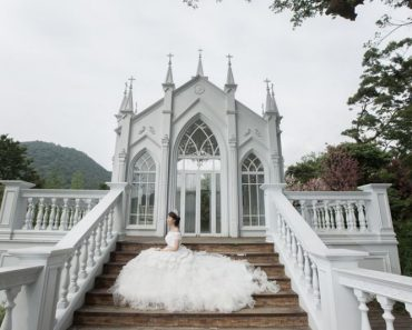 Dying Woman Does Solo Wedding Photoshoot