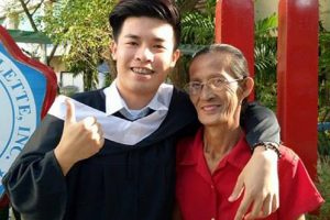 Son of Widowed Laundry Woman Graduates from College as Cum Laude