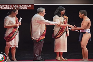 First Aeta to Graduate from UP Manila Wears Traditional 'Bahag' to Ceremony
