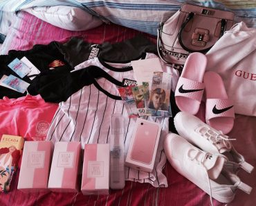 Girl Expresses Gratitude for Receiving Surprise Gifts from Mom after She Ran Away