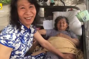 Man Dresses as Dead Sister for 20 Years to Care for Mentally Ill Mother