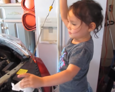 3-Year-Old Girl Who Knows How to Change Oil of Dad's Car Goes Viral