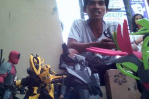 Creative Pinoy Guy Makes Realistic Action Figures from Rubber Scraps