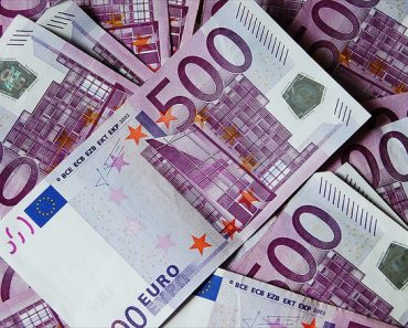 Swiss Toilets Near Bank Mysteriously Clogged with 500-Euro Bills