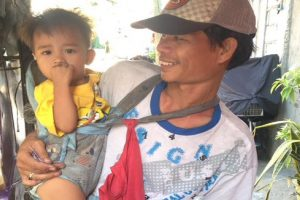 Tricycle Driver Who Brings Son to Work Finds Help after Story Went Viral