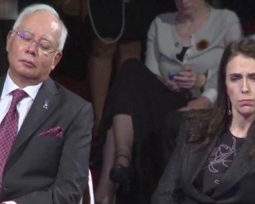 Malay Prime Minister Caught Snoozing During The PH President's Speech At The ASEAN SUmmit