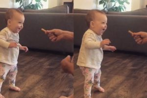 Dad Adorably Bribed His Daughter To Take Her First Steps Using A French Fry