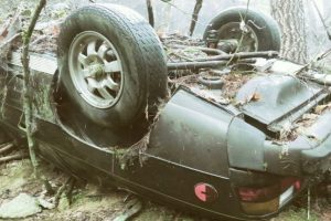 Wreckage of Porsche Stolen 27 Years Ago, Found in the Forest with Skeletal Remains