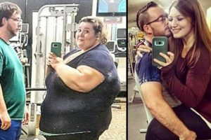 Woman Posts Photos of Unbelievable Transformation after Weight Loss