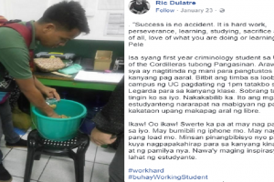 Hardworking Student Who Sells Peanuts During Free Time, Earns Praise from Netizens