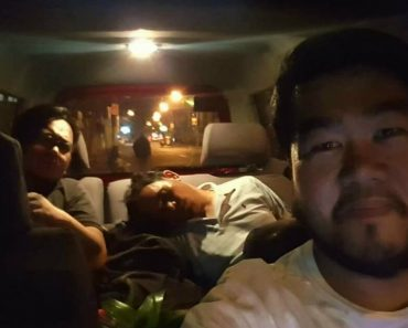 Kindhearted Man Offered To Let His Sleepy Uber Driver Sleep While He Drove The Uber Car Home