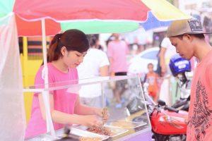 Gorgeous Peanut Vendor Goes Viral in Witty Netizen's Joke Post