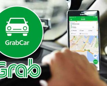 Grab Passenger Overhears Driver Talking to Wife about Sick Baby, Seeks Help from Netizens
