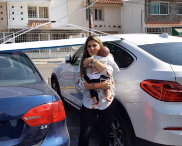 Young Mom Blasted for Leaving Baby in Car While Having Breakfast with Friends