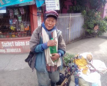 Old Lady Walks 300+ km with Pets, Just to Find Missing Child