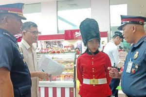 Cops Fine Mall Security Guards with Php10k Each for Wearing Costumes