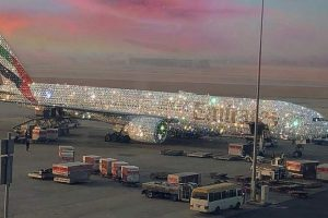 Photo of Diamond-Encrusted Emirates Plane Wows Netizens