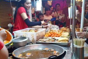 Famous 'Kwek Kwek' Girl Offers 'Libreng Pameryenda' as Thanksgiving Treat to Customers