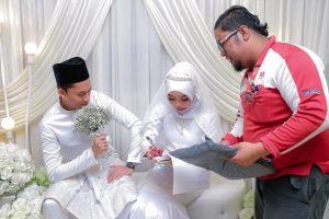 Postman Interrupts Wedding to Deliver Package for Bride