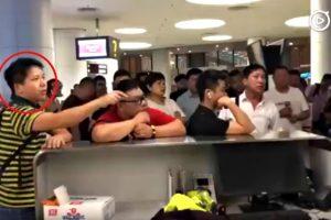 Passenger Demands Airport Staff to Kneel for Flight Delay Due to Bad Weather