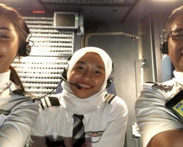 Pilot Dad Leaves Company He Worked in for 40 Years, Flies with 2 Pilot Daughters at Rival Airline