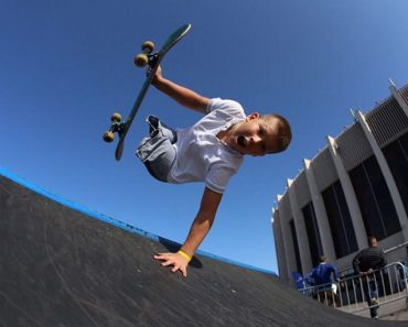 Russian Kid with No Legs Goes Viral for Impressive Moves on the Skateboard
